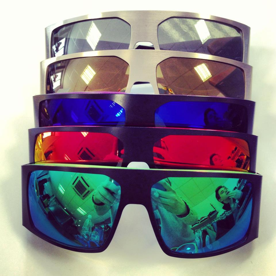 L' histoire MILF Sunglasses - Milfrance - Official Website
